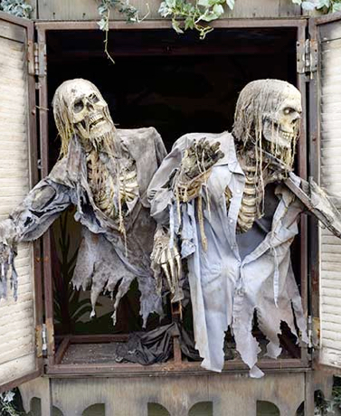 Transforming Your Front Porch To Frighten Trick-Or-Treaters