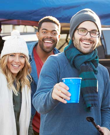 Rookie Mistakes: Tailgating Etiquette For Pre-Game Parties