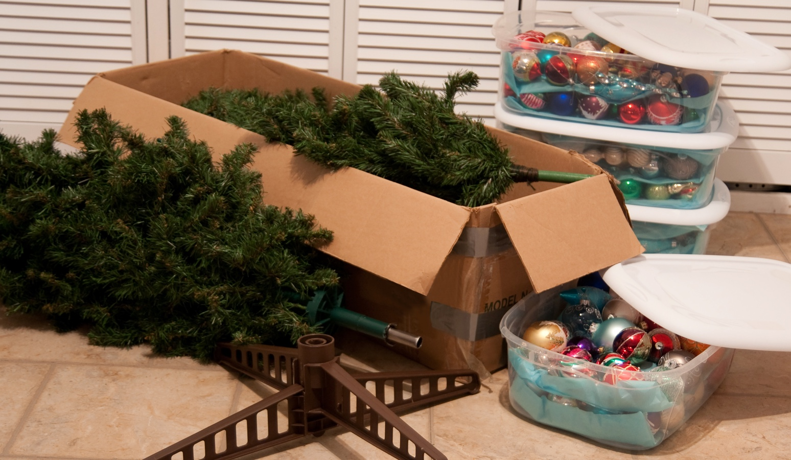 best ways to store christmas decorations