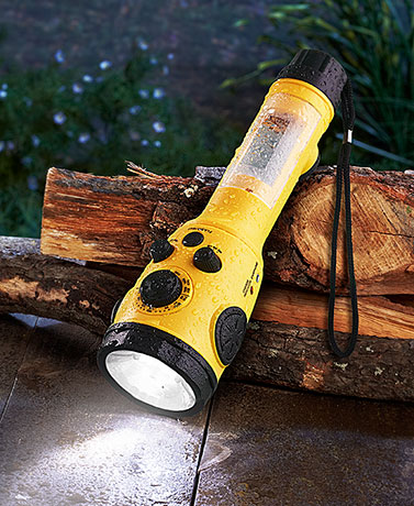 Rally� Weather Radio Flashlight