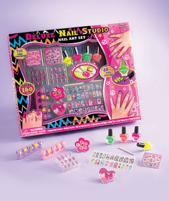 160-Pc. Deluxe Nail Studio Set