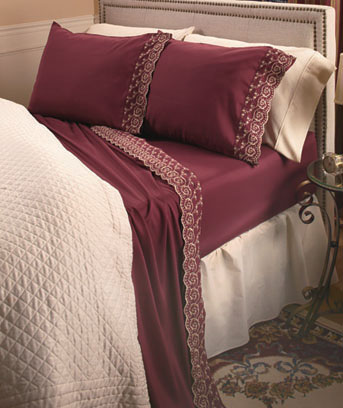 Scalloped Hem Embroidered Sheet Sets