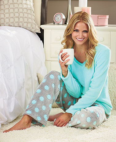 Women's Luxurious Plush Loungewear