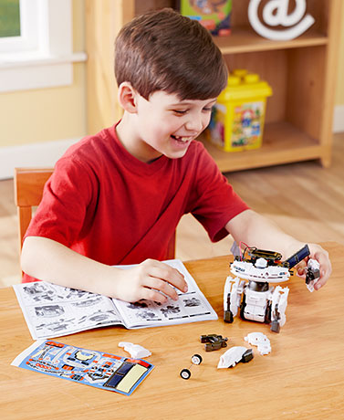 Discovery Kids™ 7-In-1 Robot & Space Kit