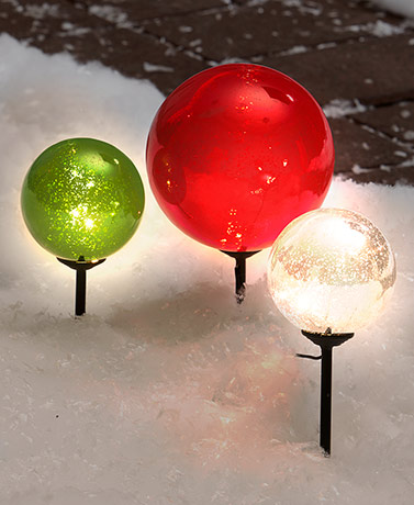 Set of 3 Solar Christmas Gazing Balls