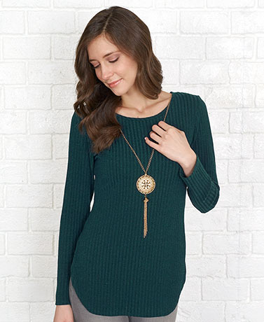 Ribbed Tunic with Fashion Necklace