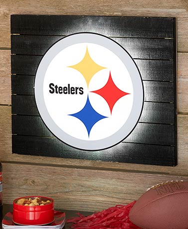 "NFL 18"" LED Wood Pallet Wall Art"