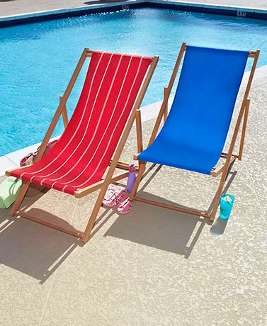 Adjustable Wood-Frame Beach Chairs
