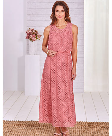 Romantic Lace Dress - Blush