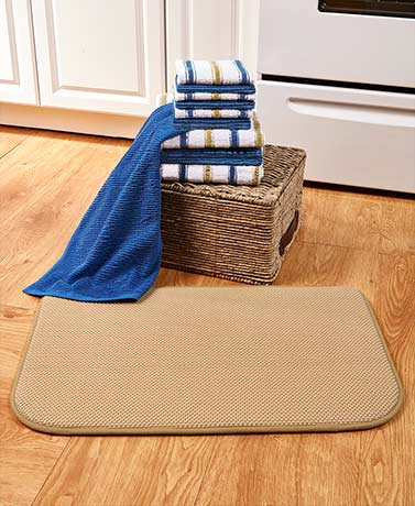 Coordinating Kitchen Towel Sets or Rugs