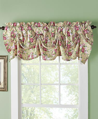 Floral Tucked Valance