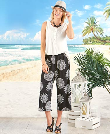 Printed Knit Wide Leg Capri Pant - Medallion