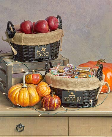 Country Halloween Treat Baskets
