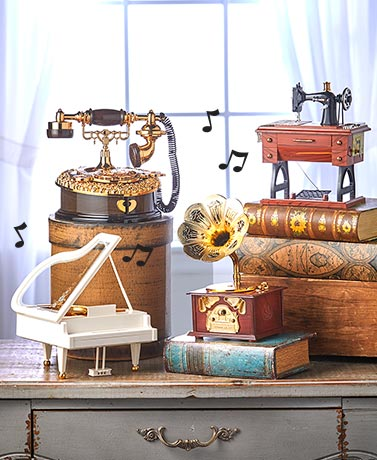 Vintage-Inspired Music Boxes