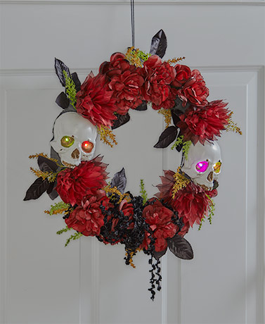 Lighted Skull and Roses Wreath