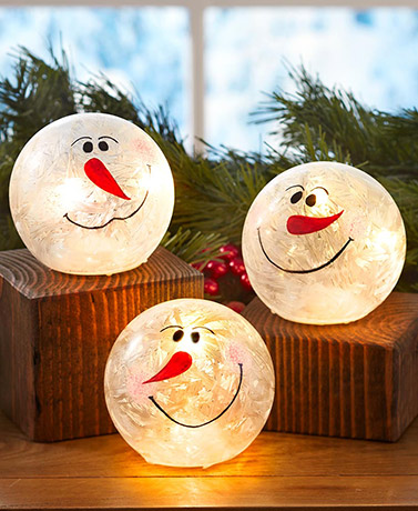 Set of 3 Lighted Glass Snowballs
