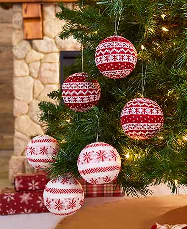 Sets of 3 Sweater Ball Ornaments