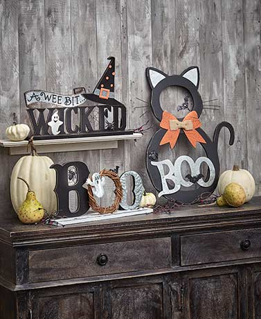 Metal and Wooden Halloween Accents